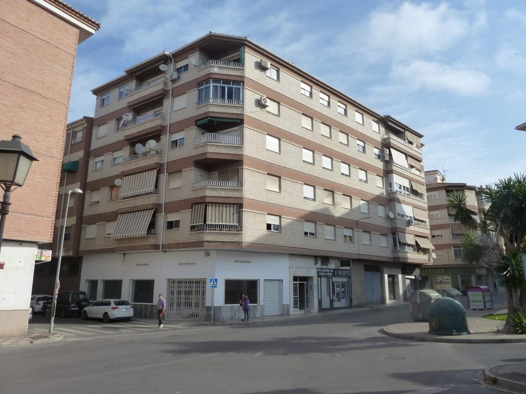 2016 Structural stabilization of a building in Motril